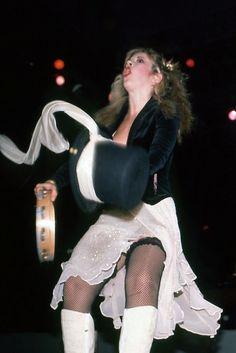 Stevie Nicks Queen of Rock Stevie Nicks Lindsey Buckingham, Stephanie Lynn, Ann Coulter, Stevie Nicks Fleetwood Mac, Female Singers, Female Guitarist, Eric Clapton, Celebs, Celebrities
