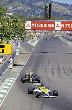 Keke Rosberg (Canon Williams-Honda FW10) leading Ayrton Senna (JPS Lotus-Renault 97T), 1985 Australian Grand Prix, Adelaide