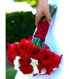 Resultados da pesquisa de http://magazine.zankyou.com/pt/wp-content/uploads/2010/11/red-white-roses-bouquet-mwfie.jpg no Google