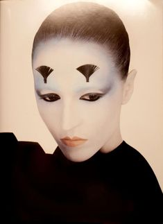 SUZANNE VON AICHINGER BY SERGE LUTENS Repinned by www.lecastingparisien.com