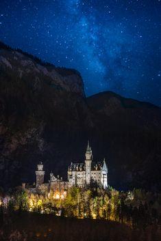 Neuschwanstein castle by Somchat Thavornvattanayong / 500px