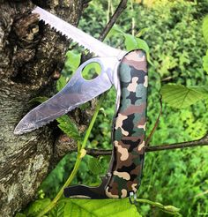 Spend some time outdoors with your Swiss Army Knife this weekend, like @benners_tralee did with his #Trailmaster. #SwissArmyKnife #Adventure #Outdoors #edc #multitool #VictorinoxSwissArmy