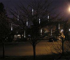 meteoor regen verkrijgbaar bij www.candlebagplaza.nl. 8 led tubes met in totaal 240 ledjes voor binnen en buiten.