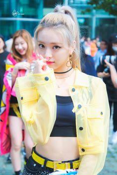 dedicated to female kpop idols. Kpop Girl Groups, Korean Girl Groups, Kpop Girls, Programa Musical, Recent Events, Fandom, Soyeon, Cute Faces, New Girl