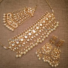 Another going to take its flight to USA for a beautiful pakistani bride You dream you wish you desire - we fulfill Indian Jewelry Earrings, Indian Jewelry Sets, Jewelry Design Earrings, India Jewelry, Jewelery, Ethnic Jewelry, Antique Jewelry, Bridesmaid Jewelry, Wedding Jewelry