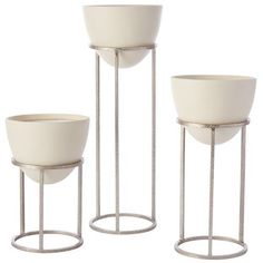 Leslie Modern Classic White Silver Egg Planter Small is part of Living room corner - The Leslie planter is the quintessential classy midcentury modern styled planter stand The beautiful silver metal stand perfectly complements the matte Classic Home Decor, Elegant Home Decor, Elegant Homes, Classic House, Modern Classic, Diy Home Decor, Classic White, Modern Decor, Living Room Furniture