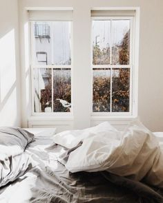 an unmade bed because we are on vacation . (but i secretly love a messy bed). by kaleyfromkansas [but always a messy bed Home Interior, Interior And Exterior, Interior Design, Dream Bedroom, Home Bedroom, Fall Bedroom, Messy Bedroom, Bedroom Decor, Bedroom Simple