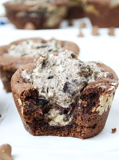 Oreo Cheesecake Stuffed Chocolate Cookie Cups | 15 Ridiculously Irresistible Ways To Eat Oreos