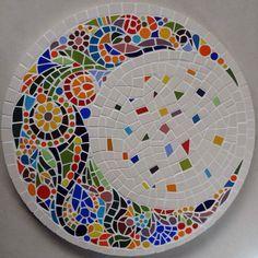 diy mosaik mandala The post Diy Mosaic Mandala Diy Mosaik Mandala appeared first on Mary& Secret World. Mosaic Garden Art, Mosaic Tile Art, Mosaic Pots, Mosaic Artwork, Mirror Mosaic, Mosaic Glass, Mosaic Table Tops, Stained Glass, Mosaic Art Projects