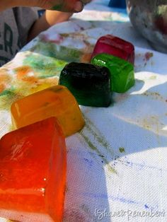 painting with Icecubes- fun for the summer!