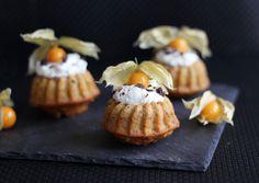 Möhren-Walnuss-Mini-Gugl mit Sahne-Tuff   eatbakelove