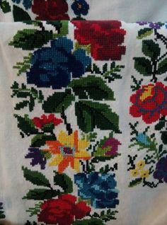F Cross Stitch, Textiles, Embroidery, Crafts, Home Decor, Punto De Cruz, Dots, Needlepoint, Manualidades