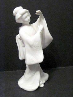 HOMCO White Porcelain Geisha Statue 1443
