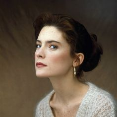 Lara Flynn Boyle in 1990