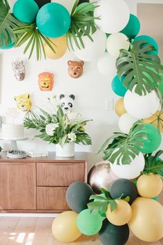 The best little jungle 1st birthday party thrown by Jacquelyn Kazas of Beijos Events for her son Cruz, tropical at it's best for boys!