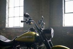 Harley-Davidson Road King Special front section details