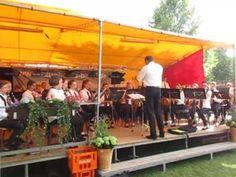 Jugendkapelle Pfullendorf spielen Mallorca Sommerhits und Schlager auf dem Stadtseefest der Stegstrecker.