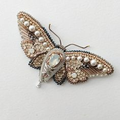 White butterfly beaded brooch, embroidered insect jewelry, gold butterfly bead e. Diy Jewelry Gold, Luxury Jewelry, Jewelry Crafts, Jewelry Art, Beaded Jewelry, Jewelery, Jewelry Design, Statement Jewelry, Butterfly Embroidery