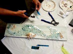 Mary Hong's glass art class Broken Glass Art, Shattered Glass, Sea Glass Art, Stained Glass Art, Mosaic Art, Mosaic Glass, Smash Glass, Glass Art Design, Glass Art Pictures