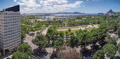 Praça Paris e Parque do Flamengo com Marina da Glória,  Monumento dos Pracinhas e Pão de Açúcar, Rio de Janeiro, Brasil