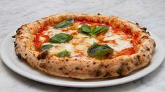 Reall about artisan pizza recipes. - Pizza Recipes to Delight - Pizza Neapolitan Pizza Dough Recipe, Italian Pizza Dough Recipe, Napoli Pizza Recipe, Artisan Pizza Dough Recipe, Fluffy Pizza Dough Recipe, Italian Pizza Toppings, Tomate San Marzano, San Marzano Tomaten, Mozzarella