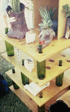 Étagère en bouteilles en bois... ...