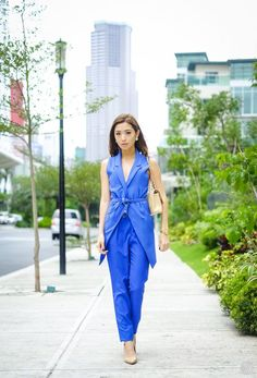 8c98354a25b33 Mono bodas color azul Paula Echevarria