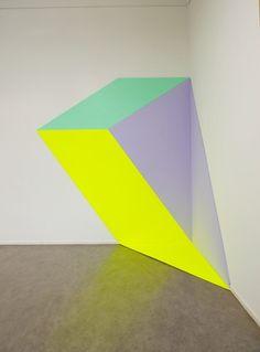 Henriëtte van 't Hoog. La vision del arte desde el objeto , sin objeto, minimal es la obra al limite de no ser objeto artístico
