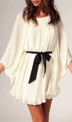 Pleated dress, I am in love with this !! How could it be hijabi friendly ?!?