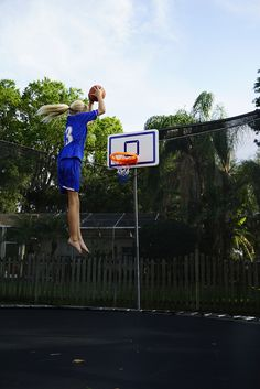 Big Air Dunk on the Trampoline Basketball Court
