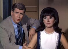 Marlo Thomas as Anne Marie with Ted Bessel as Donald Hollinger | That Girl (September 8, 1966 - March 19, 1971)