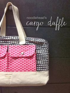 Steph Zerbe Design: Sew Saturday: cargo duffle bag - LOVE the fabric choices Purse Patterns, Sewing Patterns Free, Free Sewing, Free Pattern, Duffle Bag Patterns, Sewing Hacks, Sewing Tutorials, Sewing Projects, Sac Week End