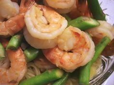 Chinese Stir Fried Prawns With Asparagus. From Kylie Kwong's Simple Chinese Cooking. From Liz G CNY Shrimp Stir Fry, Fried Shrimp, Shrimp Noodles, Shrimp And Asparagus, Asparagus Recipe, Cooking Wine Recipes, Oriental, Chinese Stir Fry, Best Chinese Food