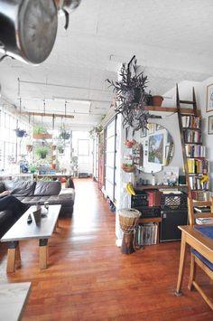 Carlos' Custom DIY Loft (w/ screened bedroom pods) | Apartment Therapy