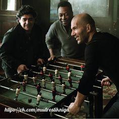 Football Legends: Diego Maradona, Pelé and Zinedine Zidane Zinedine Zidane, Best Football Players, Sport Football, Soccer Players, Table Football, Football Icon, Ronaldo Football, Football Gif, Cr7 Messi