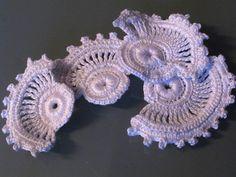 Irish Crochet motif. http://riccreaties.wordpress.com/haakwerk/irish-crochet-_-iers-haakwerk-_-iers-kantwerk/