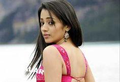 சமூக வலைதளங்களில் அக்கவுண்ட் வைத்துக்கொண்டு, தங்களைப்பற்றிய தகவல்களை வெளியிடுவதை ரஜினி, விஜய்,விக்ரம், சூர்யா என முன்னணி நடிகர்-நடிகைகளே வழக்கமாகக் கொண்டுள்ளனர்.  http://cinema.dinamalar.com/tamil-news/20741/cinema/Kollywood/Trisha-came-back-to-social-media.htm