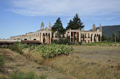 """This is an """"hacienda"""" and its located in #Hidalgo #Mexico One of the best I ve been.  Esta hacienda me encanto. La encontre al lado de la carretera"""