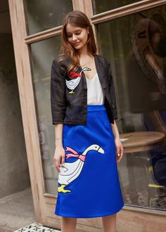 SILK MIDI SKIRT WITH 3D GOOSE PATCH