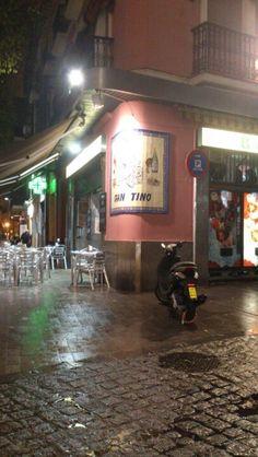 Plaza de la Alfalfa - one of my favorite quaint little squares in Sevilla