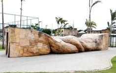 Henrique Oliveira, sculptor