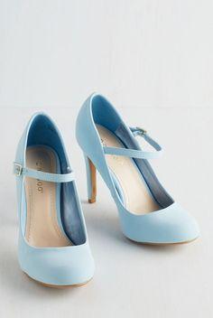 New heel shoes for teenagers Fαshiση Gαlαxy 98 ☯ fashion heels Pretty Shoes, Beautiful Shoes, Cute Shoes, Women's Shoes, Me Too Shoes, Shoe Boots, Golf Shoes, Shoes 2017, Boot Heels