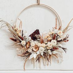 Xmas Wreaths, Autumn Wreaths, Wreaths And Garlands, Christmas Decorations, Diy Flowers, Paper Flowers, Dried Flower Wreaths, Fleurs Diy, Dried Flower Arrangements