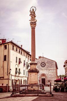 https://flic.kr/p/KcBDaK | Madonna dello Stellari, Lucca, Italy | Column statue…