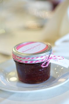 homemade strawberry jam wedding favors with thank you tags