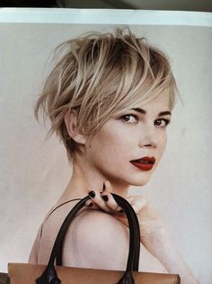Michelle Williams looking gorgeous for Louis Vuitton. (via Michelle Williams Is Growing Out her Short Haircut: Girls in the Beauty Departmen. 2015 Hairstyles, Pixie Hairstyles, Trendy Hairstyles, Pixie Haircuts, Blonde Hairstyles, Wedding Hairstyles, Messy Pixie, Long Pixie, Shaggy Pixie