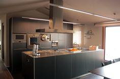 Decoracion de Cocina, estilo Moderno diseñado por m3interiors Decorador con #Barras de cocina #Islas de cocina #Mobiliario de cocina #Electrodomesticos  #CajonDeIdeas