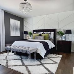 20 tips will help you improve the environment in your bedroom Hey friends! Just popping in to say hi and to show you how just switching up pillows throws and a few. Bedroom Inspo, Bedroom Decor, Bedroom Ideas, Master Bedroom, Messy Bed, Cute Living Room, Moore House, Bedroom Organization Diy, Inspire Me Home Decor