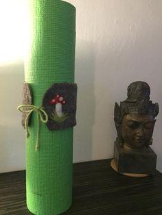 Yogaband Filzband um deine Matte zusammenzubinden, Yogaglück, Glückbringer, kann personalisiert werden Yoga, Ribbon, Etsy, Decor, Decorate Bottles, Handmade, Handarbeit, Tape, Decoration
