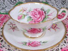 PARAGON QUEEN ELIZABETH PINK ROSES SPONGED GOLD TEA CUP AND SAUCER | Antiques, Decorative Arts, Ceramics & Porcelain | eBay!